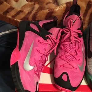 Nike Shoes - Hyper rev breast cancer size 12